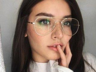 Якщо рекомендовані за формою обличчя окуляри не дуже подобаються c765c5fea2d22